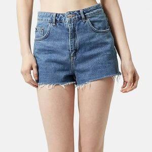 TOPSHOP Mom Cut-Off Jean Shorts Frayed Size US 6